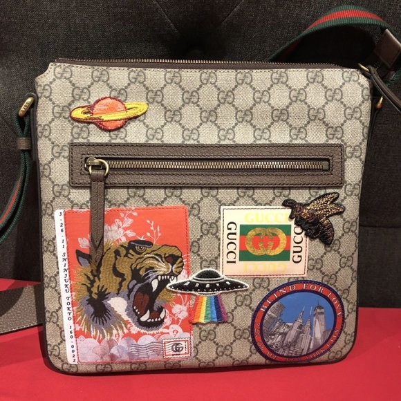 5c3bedd376c Gucci Courrier Soft GG supreme Messenger Style. NWT. Gucci.  200  250. Size